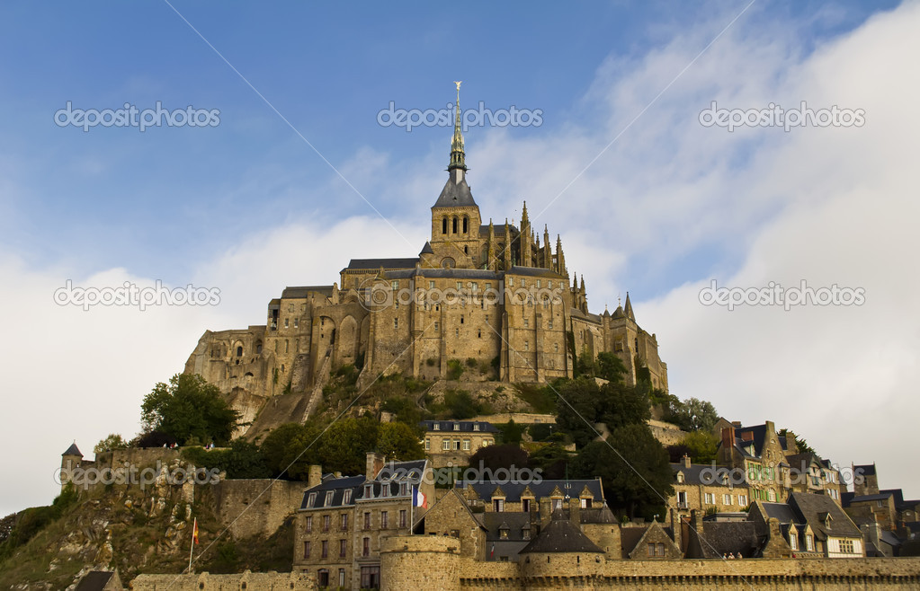 Close view of Le Mon Sant Michel — Stock Photo #10091068