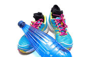 Sneakers and water bottle — Zdjęcie stockowe