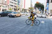 Radfahren im Bezirk Ginza, japan — Stockfoto