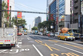Traffic in the Ginza district in Tokyo, Japan — Stockfoto