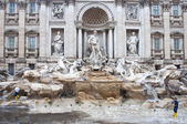 Workers cleaning the Trevi Fountain, Rome — Stock Photo