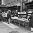Madrid bookstore.Black & white photography — Stock Photo