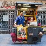 栗のグリルと路上販売 — ストック写真