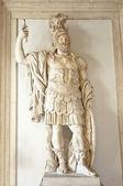 Skulptur eines römischen kriegers — Stockfoto