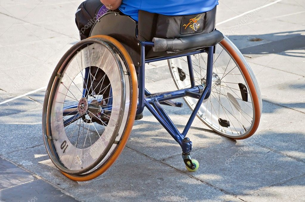 Basketball player in wheelchair — Stock Photo #10489869