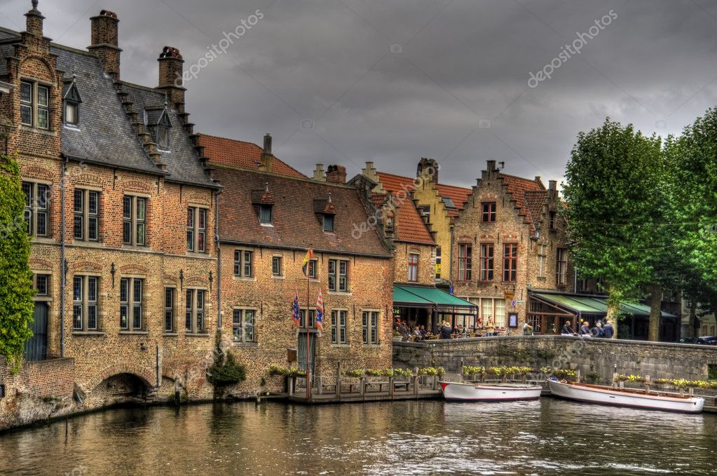 Buildings in the old town of bruges, belgium (hdr) — Stock Photo #10152487