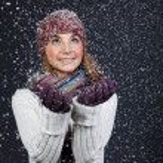 Beautiful girl in winter clothes. Studio shot — Stock Photo #10325519