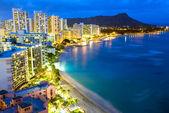 Waikiki beach in Honolulu, Hawaii. — Stock Photo