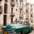 Havana - Green Car — Stock Photo