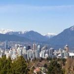 Vancouver, Kanada dağlarla çevrili — Stok fotoğraf #10272710