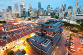 The Buddha's Relic Tooth Temple in Singapore's Chinatown — Stock Photo