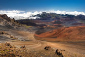 This image shows Haleakala Crater on the island of Maui, Hawaii — Stock Photo