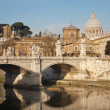 Rome - Vittorio Emanuel bridge and St. Peter s basilica in morning — Stock Photo