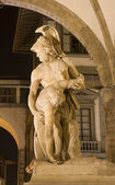 Florence - Menelaus supporting the body of Patroclus,Loggia dei Lanzi - night — Stock Photo