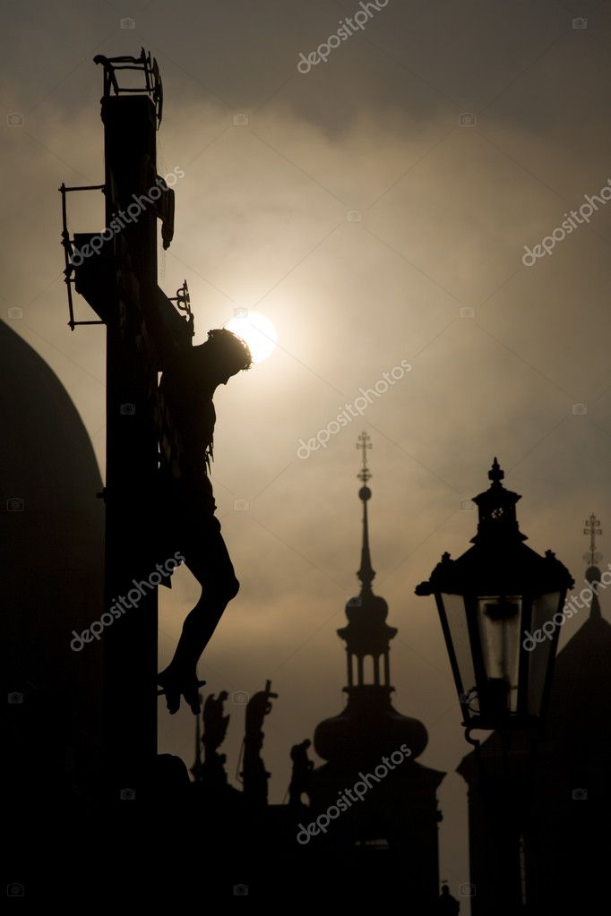 Prague cross on the charles bridge by sunrise - silhouette  — Stock Photo #10152083