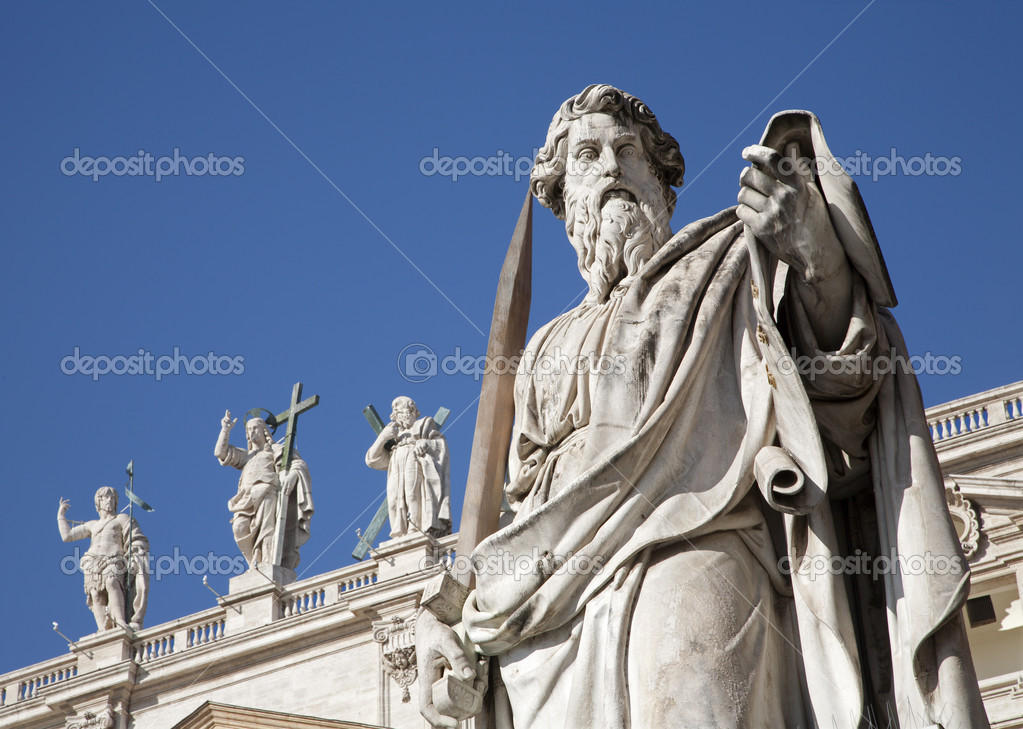 Rome - st. Paul s statue for st. Peter s basilica — Stock Photo #10152786
