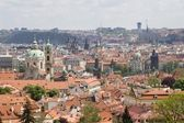 Prag - petrin outlook'tan charles köprüsü — Stok fotoğraf