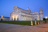 Pisa - cathedral Santa Maria Assunta and hanging tower in evening — Stock Photo