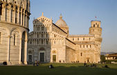 Pisa - cathedral and hanging tower and baptistery of st. John - Piazza dei Miracoli — Stock Photo