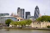 London - riverside and skyscrapers — Stock Photo