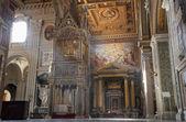 рим - интерьер базилики латеранской базилики святого иоанна — Стоковое фото