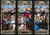 Paris - windowpane from Saint Severin gothic church - Jesus with the children — Stock Photo