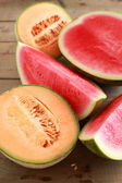 Melon and watermelon on the table — Stock Photo