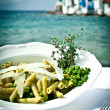 Pasta with peas and thyme — Stock Photo