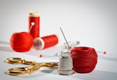Red sewing kit, landscape — Stock Photo
