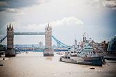 Tower Bridge and HMS Belfast — Stock Photo