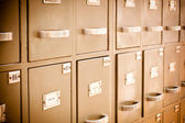Librarian checking index cards — Stock Photo