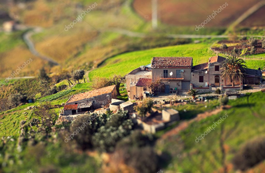Beautiful miniature of a farm at Caccamo in green valley of Sicily. — Stock Photo #10347001