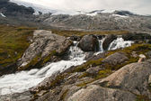 Mountain small river — Stockfoto