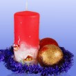 décoration de Noël avec deux boules et bougie — Photo