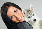女人和狗 — 图库照片