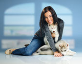 Woman and puppy — Stock Photo