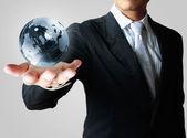Globe in de hand — Stockfoto