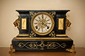 Antique luxury clock — 图库照片