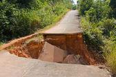 沥青混凝土路面的断裂 — 图库照片