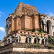 Wat chedi luang temple in Thailand — Stock Photo