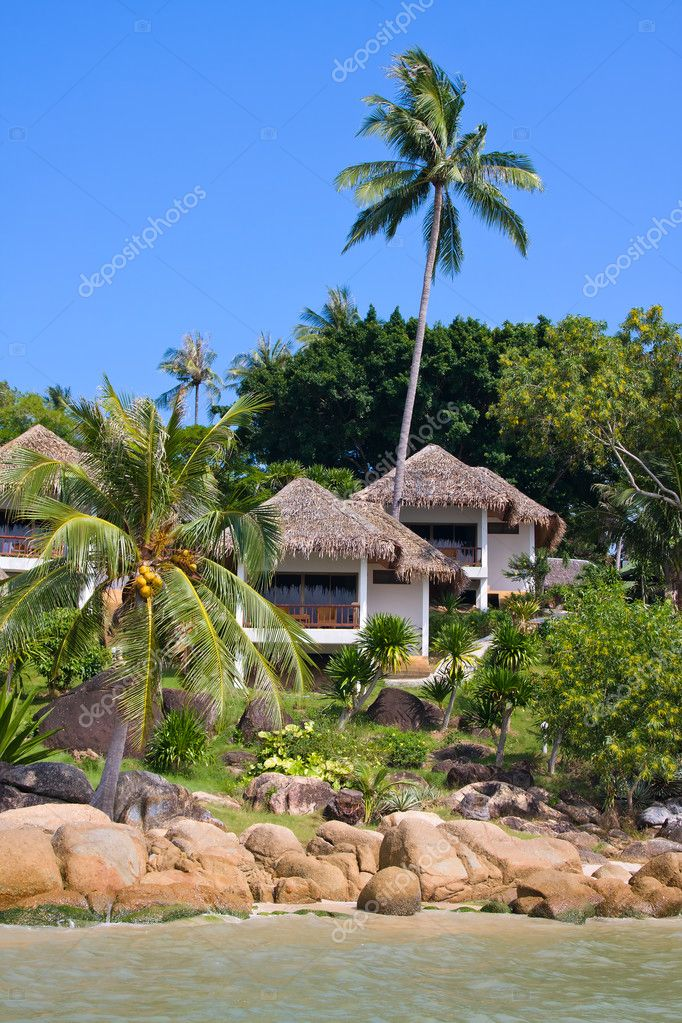 Tropical beach house on the island Koh Samui, Thailand — Stock Photo #10723192