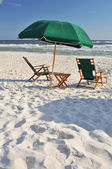 An empty chair at the beach — Foto de Stock