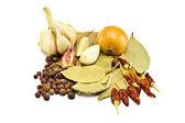 Laurowy, cebula, czosnek, peper — Zdjęcie stockowe