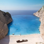 Shipwreck at cyan Sea - Zakynthos / Greece — Stock Photo