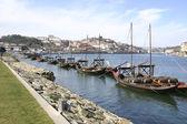 Statki w porto — Zdjęcie stockowe