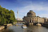 Bode Museum on Museum Island with TV Tower in background, Berlin — Foto de Stock