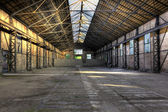 Old empty warehouse — Foto Stock