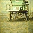 Aged lifeguard tower on beach — Lizenzfreies Foto