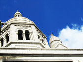 White church on a blue sky — Foto Stock