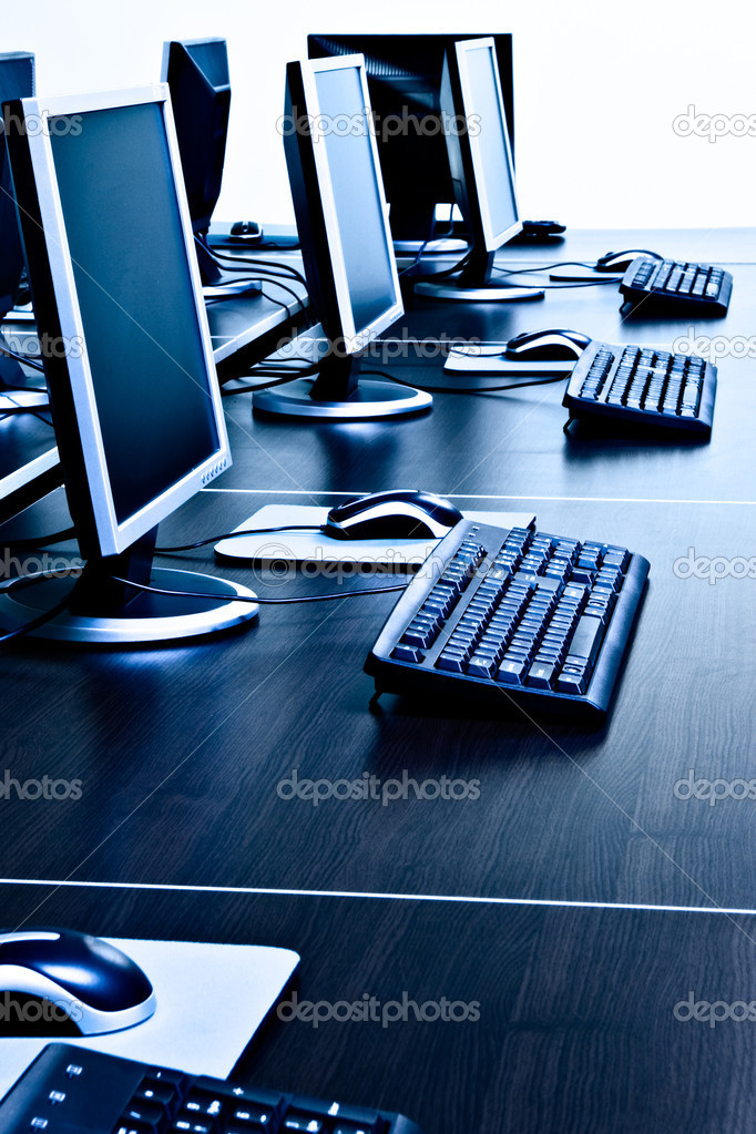 Computers in IT office — Stock Photo #10361286